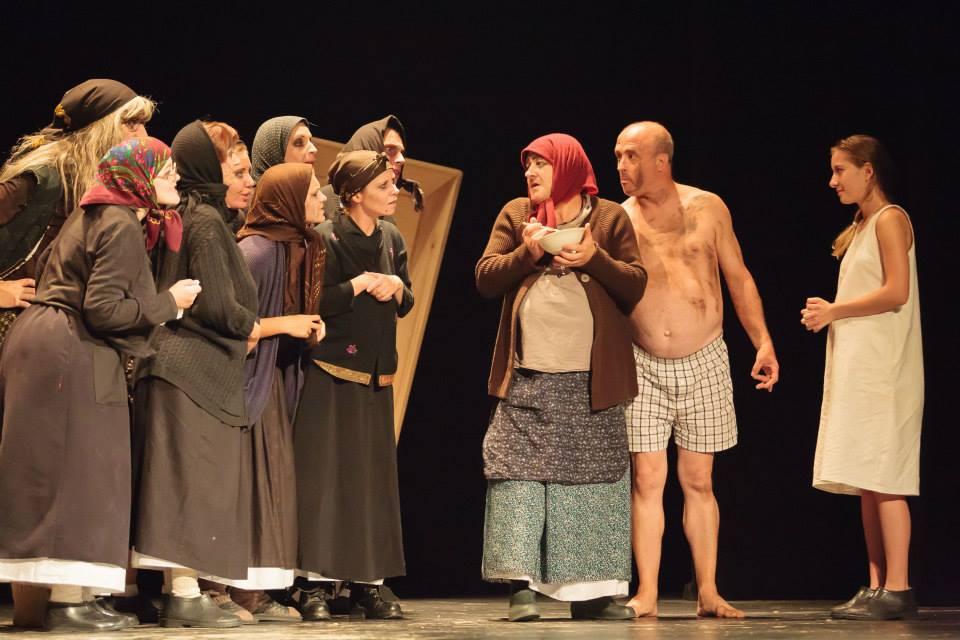 """<!--:ro-->Spectacolul """"O… ladă"""" încheie Festivalul """"Zile şi Nopţi de Teatru la Brăila""""<!--:-->"""